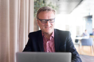 Niklas Myhr subscribe